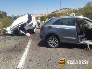 Choque frontal de los dos vehículos
